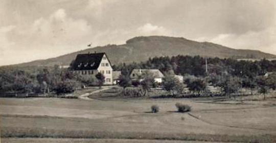 2019_kolonialschule-am-letten_mod745x385.jpg